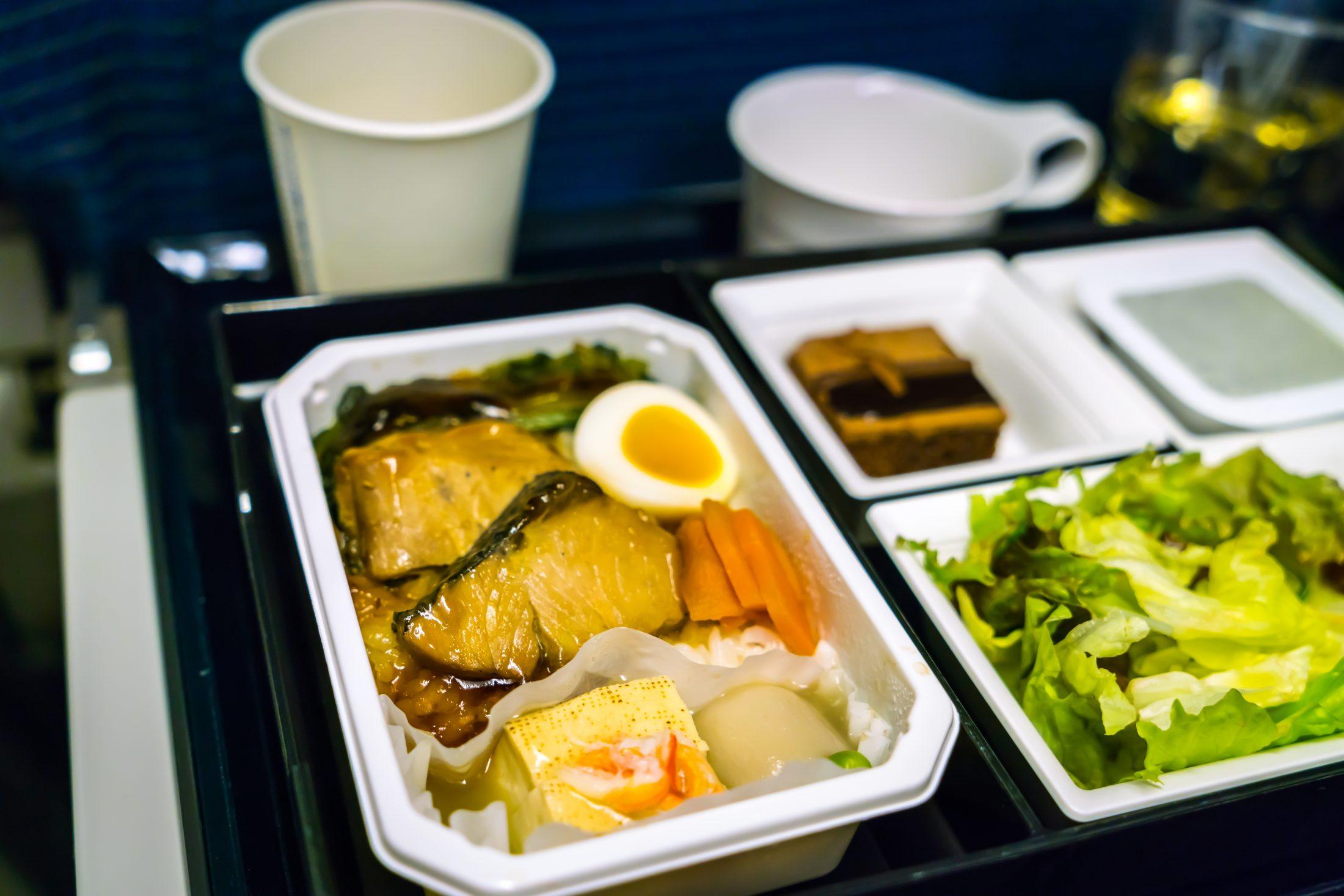 Kérjük, hagyja el a fedélzetet! Feketelistás ételek a repülőkön - Dining Guide