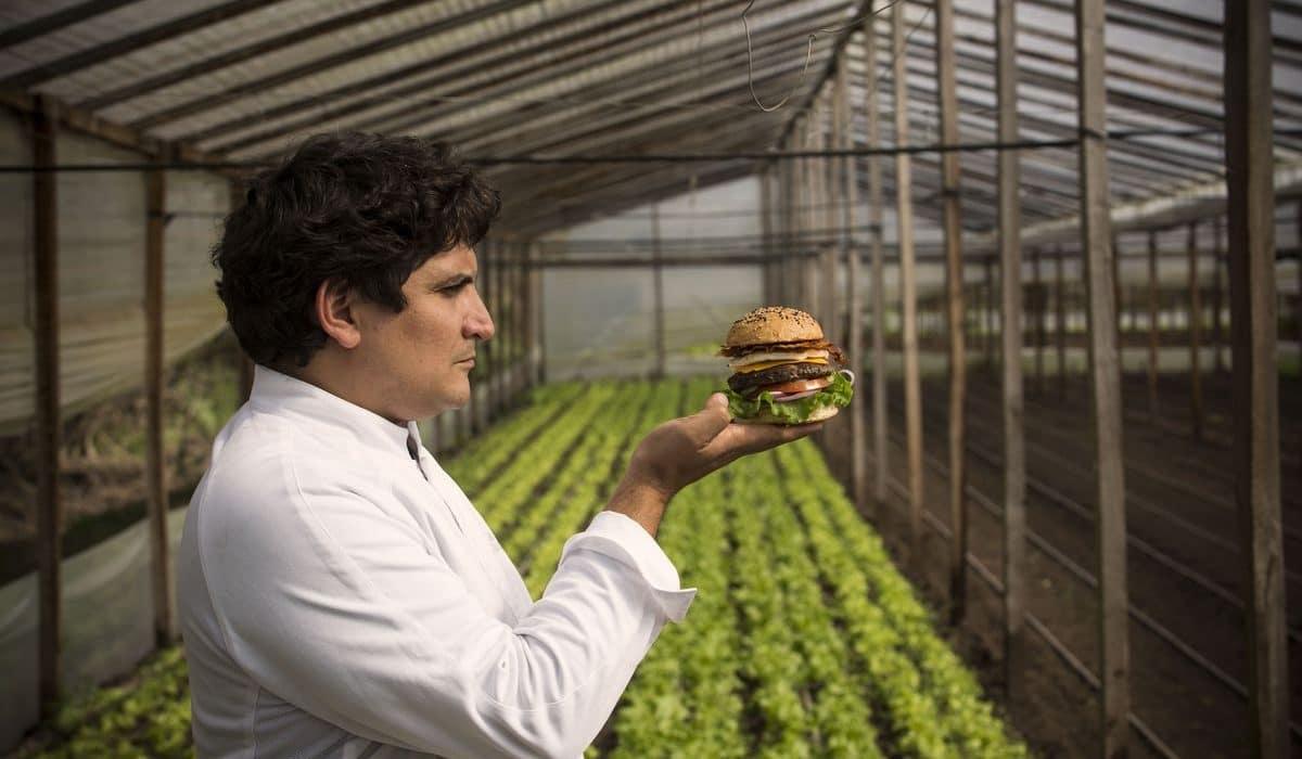A 3 Michelin-csillagos Mirazur atyja hamburgerezőt nyit – Mauro Colagreco burger hitvallása