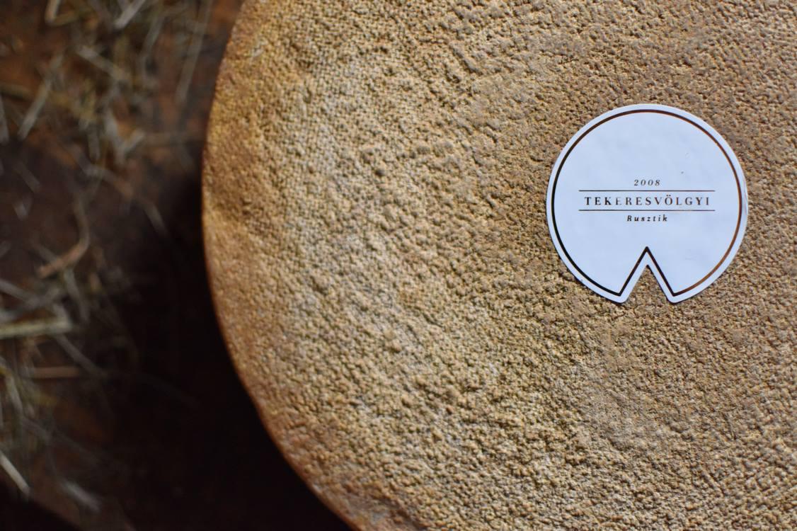 Lovardából tejcsárda, avagy van élet a gomolyán túl is, a Tekeresvölgyi Családi Birtok érlelt sajtjaival - Dining Guide